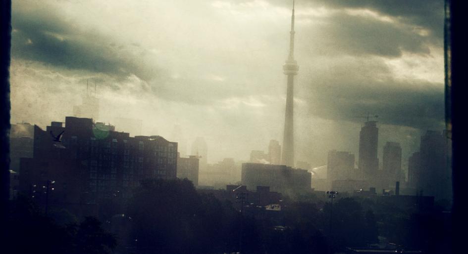 TorontoRain1945x514